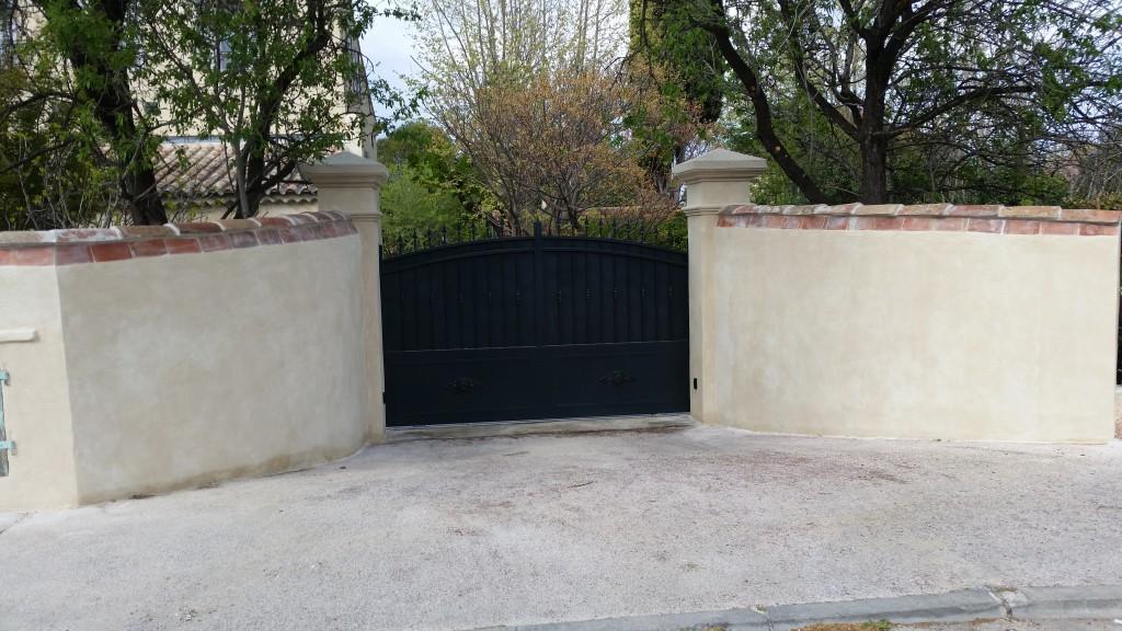Cloture exterieur maison cloture portillon portail et for Decoration cloture exterieur maison
